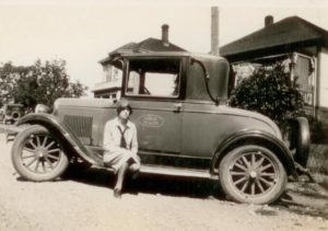Muriel Upshall and Public Health automobile in 1929