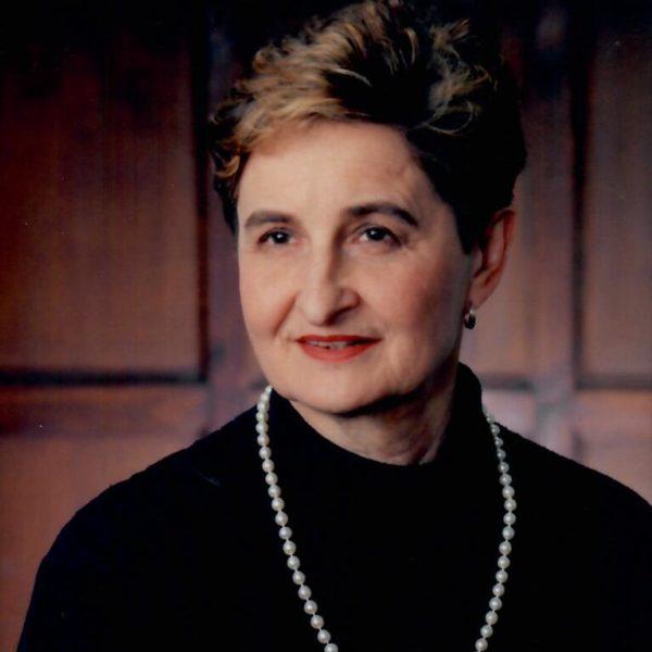 Dr. Alice J Baumgart