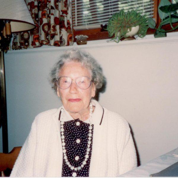 Helen Campbell  (1902-